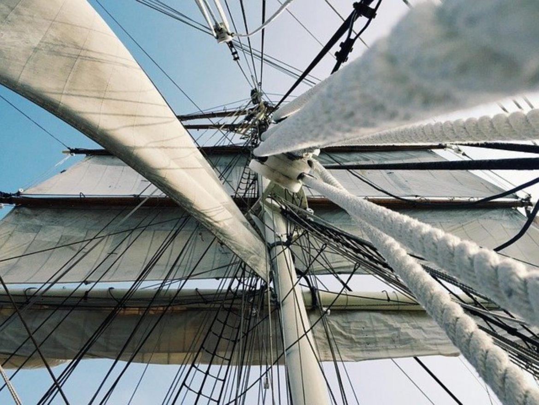 Kurs żeglarski – żagle staw!